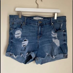 NWOT Torrid perfectly destroyed denim shorts